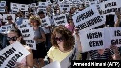 Sa protesta za rasvjetljavanje sudbine nestalih u Prištini, u avgustu 2018.