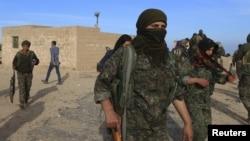 Бойцы «Демократических сил Сирии», архивное фото