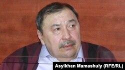 Ержан Утембаев, бывший руководитель аппарата сената парламента, осужденный по делу об убийстве Алтынбека Сарсенбаева. Алматинская область, 22 января 2014 года.