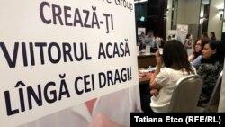 La un târg al locurilor de muncă în Chișinău