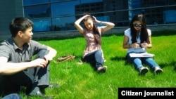 Казахстанские студенты. Иллюстративное фото.