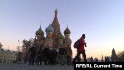 Мигранттар Кызыл аянтта.
