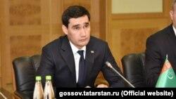 Түрмөн межлисинин депутаты, президенттин уулу Сердар Бердымухаммедов.