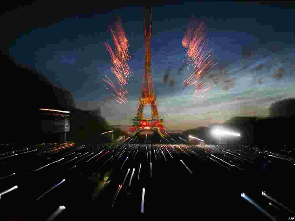 Празднование Дня взятия Бастилии в Париже