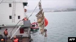 Поисковые работы на месте крушения лайнера