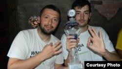 Виктор Николовски и Бојан Влакевски, куглари.