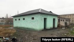 Общий туалет в Узгене