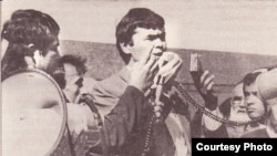 Эрк ташаббускори Муҳаммад Солиҳ 1991 йилда митингда нутқ сўзламоқда.