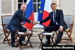 Президент Франції Емманюель Макрон приймав у себе президента Росії Володимира Путіна напередодні зустріч «Групи семи», 19 серпня 2019 року