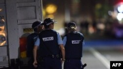 Cиднейдегі кепілге алу оқиғасы кезіндегі полиция. Австралия. 16 желтоқсан 2014 жыл.