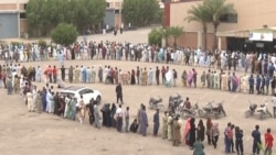 Pakistanis Line Up For Vaccines In Karachi As Officials Impose Tougher Measures