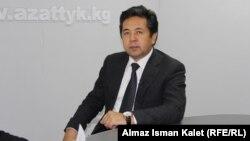 Ղրղըզստանի փոխվարչապետ Թայիրբեկ Սարպաշևը հարցազրույց է տալիս «Ազատություն» ռադիոկայանի ղրղըզական ծառայությանը, արխիվ