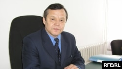 Белгілі ақын, публицист Мейірхан Ақдәулетұлы. Ақтөбе, Желтоқсан, 2008 жыл.