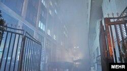 نگهبانان و کارکنان این شرکت «اتصالی برق» را عامل این آتشسوزی اعلام کردهاند