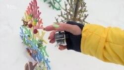 У Києві зареєстрували новий рекорд – найбільшу галявину штучних ялинок (відео)