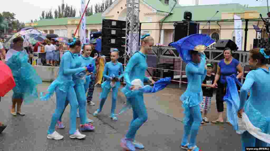 Танцювальні колективи показували Фламенко і танець живота