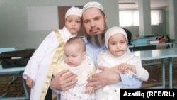 Равил Газизов балалары белән
