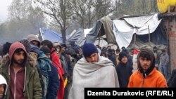 Foto arkiv - migrantët në Bosnje.
