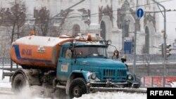 Водитель подобной снегоуборочной машины Владимир Демидов поссорился с подполковником милиции. И был убит.