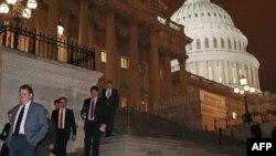 """Конгрессмены после голосования по """"фискальному обрыву"""""""