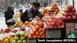 Қырғызстандағы базарлардың бірі. (Көрнекі сурет)
