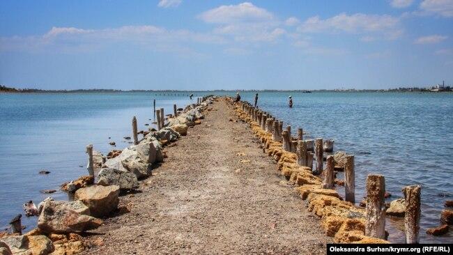 Целебные ископаемые: Сакское грязевое озеро (фотогалерея)
