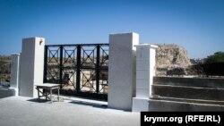 Строительство новой проходной у Башни Зенона