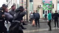 Milli Şuranın mitinqindən sonra polislə iştirakçılar arasında qarşıdurma yaranıb