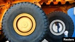 БелАЗ – один із найбільших у світі виробників кар'єрної техніки. Він виробляє, зокрема, самоскиди великої вантажопідйомності