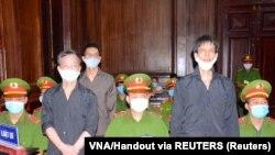 Osuđeni vijetnamski novinari na sudu u Hanoju