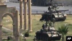 Сириските трупи во Хама