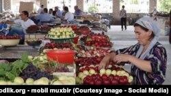 Один из дехканских рынков в Узбекистане.