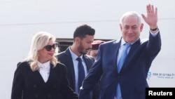 بازجویان پلیس برای گردآوری اطلاعات از هدایای مرغوب و گرانقیمت اعطا شده به نخستوزیر و همسرش، به کشورهای مختلف جهان سفر کردند.