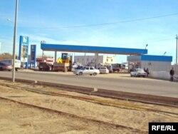 "АЗС компании ""Гелиос"" в Атырау."