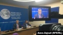 Hašim Tači na otvorenoj debati sa predstavnicima srpskih medija i civilnog društva u Čaglavici