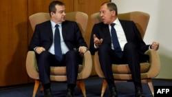 Архивска фотографија: Министрите за надворешни работи на Србија и на Русија, Ивица Дачиќ и Сергеј Лавров во Белград