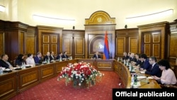 Armenia -- Prime Minister Nikol Pashinian and senior government officials discuss tax reforms, Yerevan, February 18, 2020.