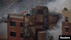 Pamje e një ndërtese të shkatërruar nga eksplodimi i gazit në Nju Jork