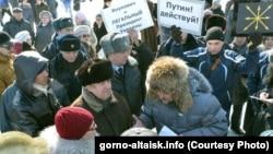 Сергей Михайлов спорит со сторонниками аннексии Крыма