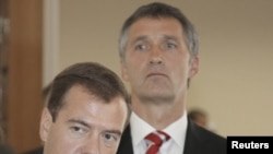 Russian President Dmitry Medvedev (left) with Norway's Prime Minister Jens Stoltenberg in Murmansk on September 15.