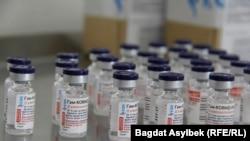 """Россиянинг """"Спутник V"""" вакцинаси Қозоғистонда ҳам ишлаб чиқарилмоқда."""