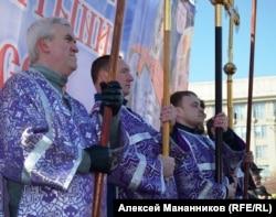 Акция православных у театра оперы и балета в Новосибирске. Март 2015 года