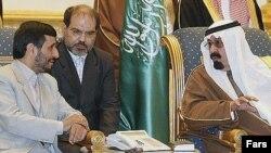 مقام های ايران و عربستان اخيرا چند بار با سفر به رياض و تهران درباره مسائل لبنان، عراق، فلسطينی ها و پرونده هسته ای ايران مذاکره کرده اند.