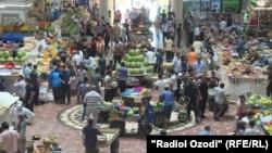 """Рынок """"Мехргон"""" в Душанбе"""