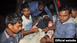 Një person i plagosur nga sulmi në xhami.