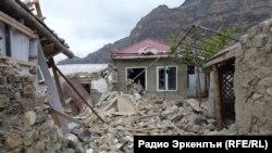 Дагестан -- Иштта сурт дитина оьрсийн эскархоша Гимры эвлахь.