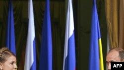 Владимир Путин и Юлия Тимошенко провели в Москве 10-часовые переговоры и на словах договорились о возобновлении поставок газа в Европу