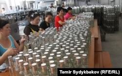 Производство водки в Кыргызстане.