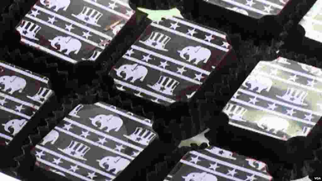 США - Шоколадные конфеты с символами двух ведущих партий Соединенных Штатов