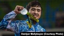 Дзюдошы Елдос Сметовтің Рио олимпиадасында күміс медаль иеленген сәті. 6 тамыз 2016 жыл.